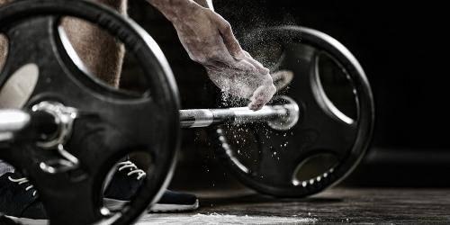 Программы тренировок в пауэрлифтинге для начинающих на силу и массу